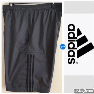EUC Men's Adidas athletic shorts size Large